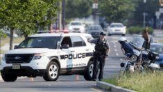 Despiden a policía de Virginia por declaraciones racistas y retener a un teniente del ejército