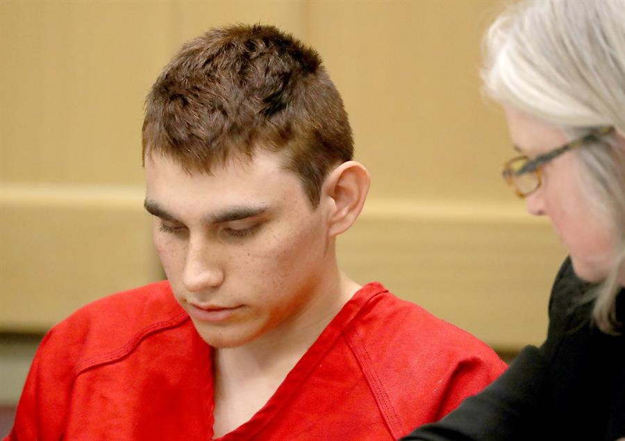 El juicio al autor de matanza en escuela de Florida comenzará en septiembre