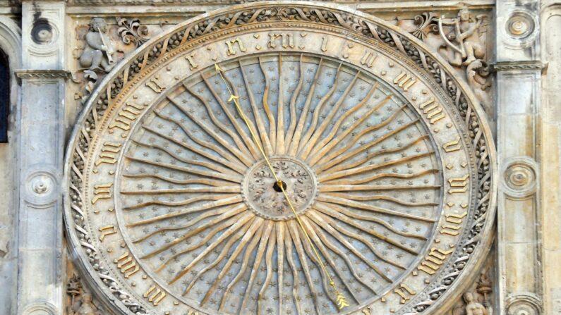 El reloj astronómico del siglo XV. (Denis Doukhan / Pixabay)