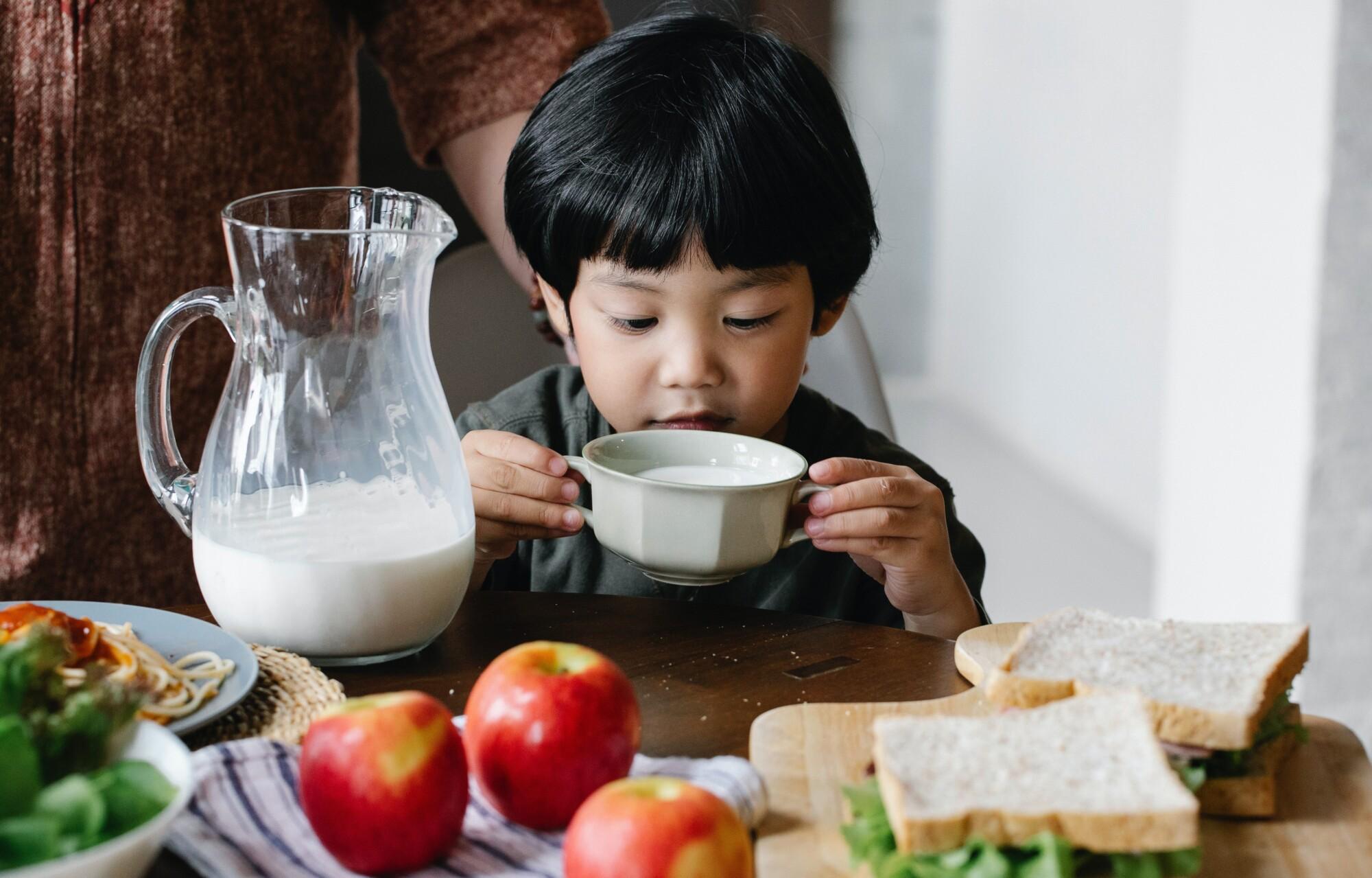 """Mamá comparte """"truco del refrigerio"""" para evitar que los niños coman más de la cuenta en casa"""