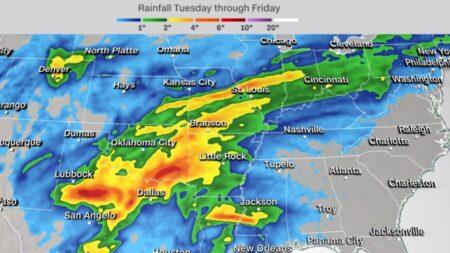 Millones de americanos se preparan para tormentas, inundaciones y posibles tornados esta semana
