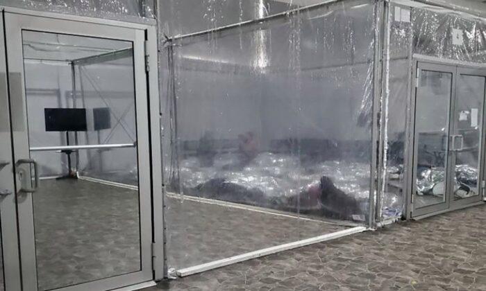 Congresista demócrata tilda de engañosas las fotos del DHS a centro de migrantes casi vacío
