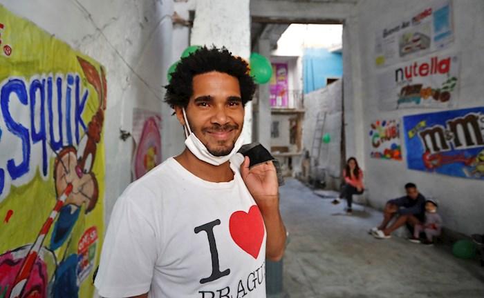 """Activistas denuncian """"secuestro"""" de artista cubano incomunicado en hospital"""