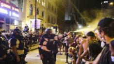 Juez le prohíbe a la policía de Columbus usar gas pimienta y balas de goma en manifestantes pacíficos