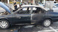 Auto se incendia mientras conductor usa desinfectante de manos al fumar cigarrillo: Jefe de bomberos