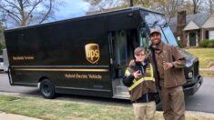 """""""Tiene síndrome de Down pero eso no lo detiene"""": consiguió un trabajo estable en UPS y va por más"""