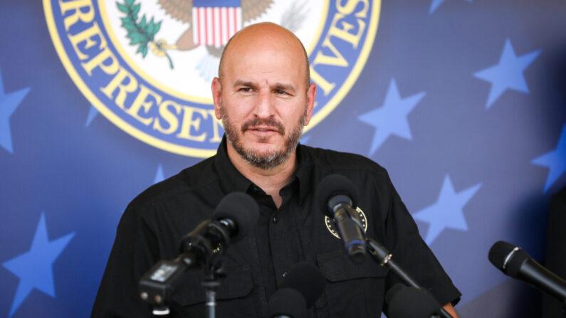 Brandon Judd, presidente del Consejo Nacional de la Patrulla Fronteriza, en una conferencia de prensa en McAllen, Texas, el 7 de abril de 2021. (Charlotte Cuthbertson/The Epoch Times)