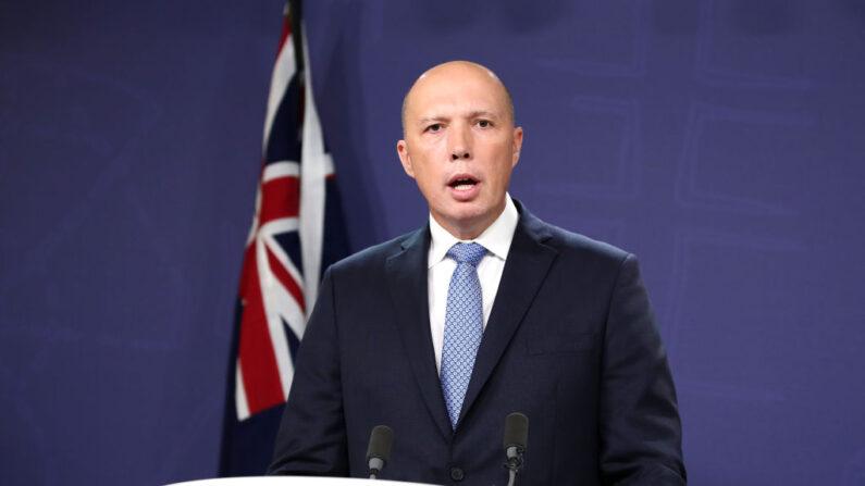 El ministro del Interior Peter Dutton habla durante una conferencia de prensa el 22 de noviembre de 2018 en Sídney, Australia. (Cameron Spencer/Getty Images)