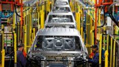 Escasez de chips costará al sector del automóvil 210,000 millones de dólares, según análisis