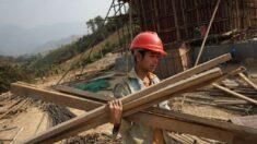 Migrantes chinos que trabajan en la Franja y la Ruta son mal pagados, maltratados y sobrecargados