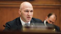 Partido Republicano de Ohio censura y pide renuncia de representante Anthony Gonzalez