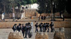 Cientos de heridos en choques con Policía israelí en la Explanada Al Aqsa