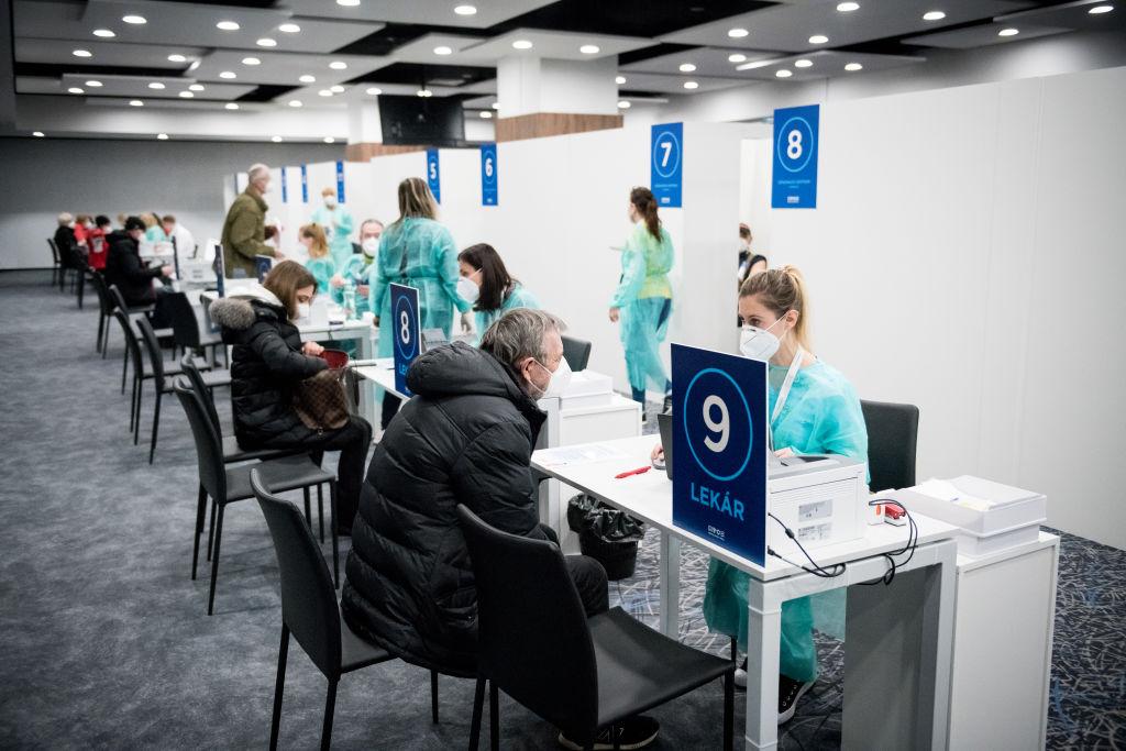 Eslovaquia suspende la primera dosis de AstraZeneca por muerte por trombosis