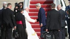 Papa Francisco se reúne con John Kerry cambiando relaciones entre Vaticano y EE. UU. después de Trump