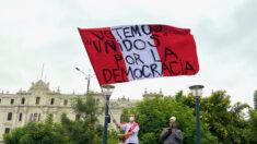 """""""El Perú primero"""": Miles marchan contra el comunismo y piden """"votar unidos por la democracia"""""""