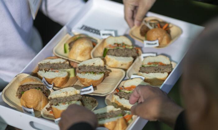 "Cámara de Texas aprueba proyecto que prohíbe usar ""carne"" para describir alimentos de origen vegetal"