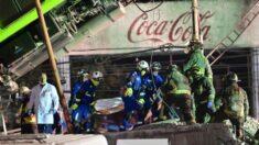 Vecinos reparten café y alimentos a rescatistas durante tragedia en el metro de Ciudad de México