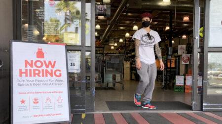 Registran número récord de pequeñas empresas que no encuentran trabajadores: Informe