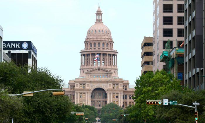 El edificio del Capitolio de Texas en Austin el 29 de octubre de 2014. (Dan Istitene/Getty Images)