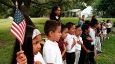 """Opositores de la """"teoría crítica de la raza"""" de Texas ganan las elecciones de la junta escolar"""