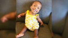 Pareja adopta a una bebé con enanismo y extremidades deformadas y le ayudan a prosperar