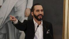 """Nayib Bukele escribe en su biografía de Twitter """"dictador de El Salvador"""""""