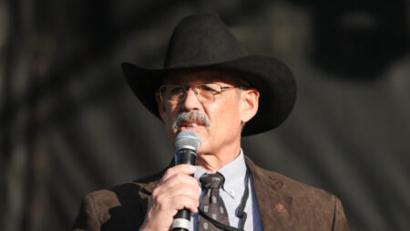 Los medios se conmocionaron porque asistí a proyección de documental electoral: Legislador de Arizona