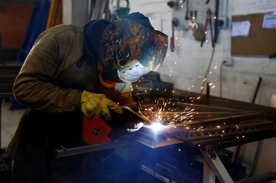 Congreso de Colombia aprueba proyecto de ley que reduce la semana laboral de 48 a 42 horas
