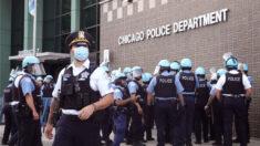 """""""Receta para el desastre"""": Presidente de sindicato policial de Chicago denuncia largas jornadas laborales"""