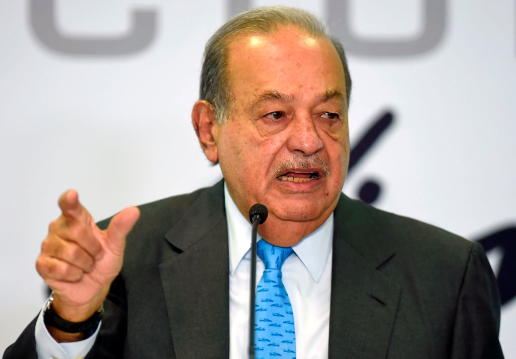 Slim cierra acuerdo con Ciudad de México para rehabilitar el metro colapsado