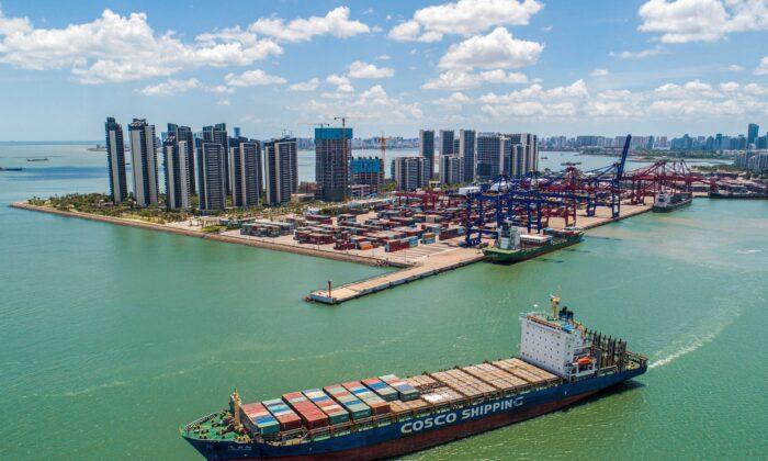 Brote de COVID-19 en provincia del sur de China altera transporte marítimo mundial
