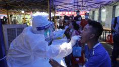 Ciudad del sur de China registra brotes del virus del PCCh pese a la vacunación
