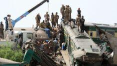Al menos 40 muertos y varios heridos en una colisión de dos trenes en Pakistán