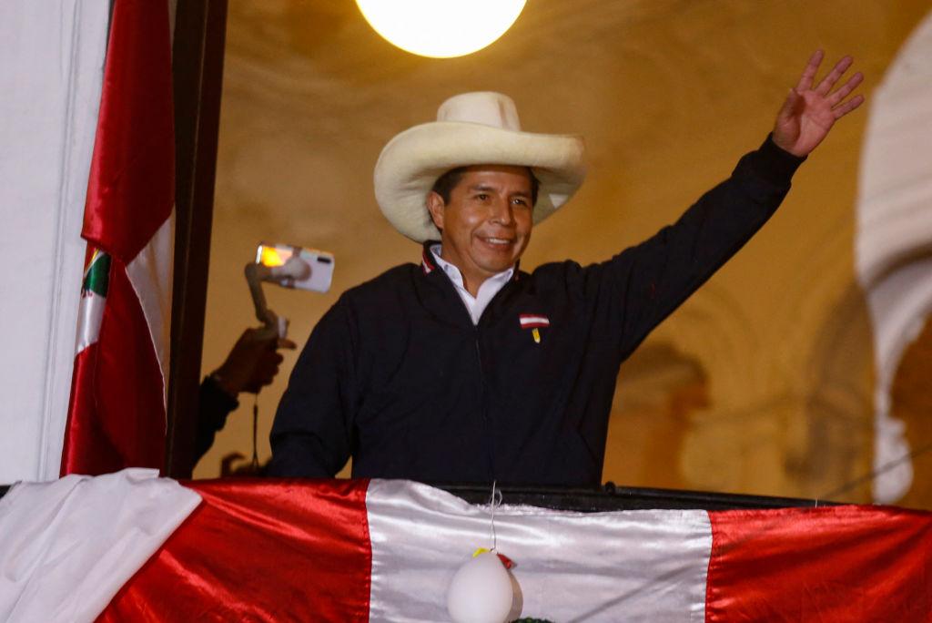 Castillo mantiene más de 50,000 votos sobre Fujimori con el conteo al 99.89%