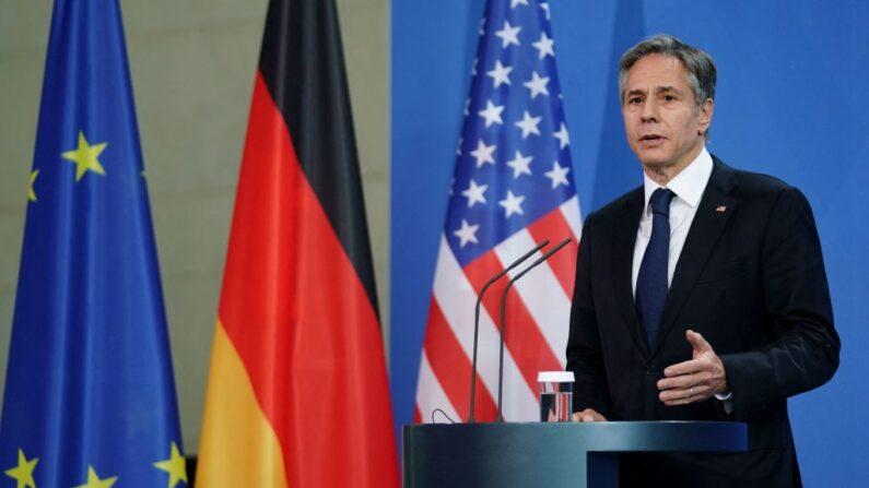 El secretario de Estado de los Estados Unidos, Antony Blinken, da una conferencia de prensa conjunta con la Canciller alemana (no se ve) en la Cancillería en Berlín, Alemania, el 23 de junio de 2021. (Clemens Bilan / POOL / AFP vía Getty Images)