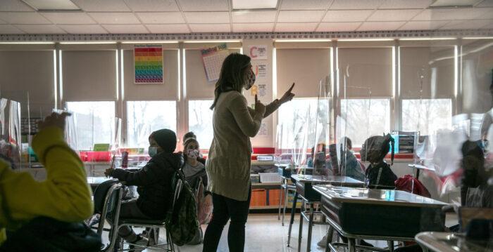 florida-junta-escolar-vota-para-prohibir-la-teoria-critica-de-la-raza