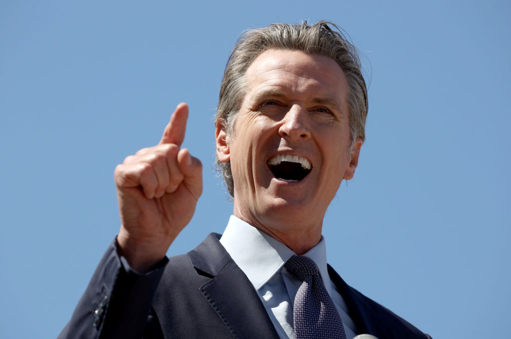 Legisladores de California disputan el uso de poderes de emergencia del gobernador Newsom