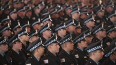 Alcaldesa de Chicago y sindicatos policiales emprenden batalla legal por orden de vacunación