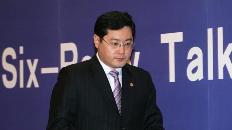 El portavoz del Ministerio de Relaciones Exteriores de China, Qin Gang, en una conferencia de prensa en Beijing, China, el 10 de febrero de 2007. (China Photos/Getty Images)