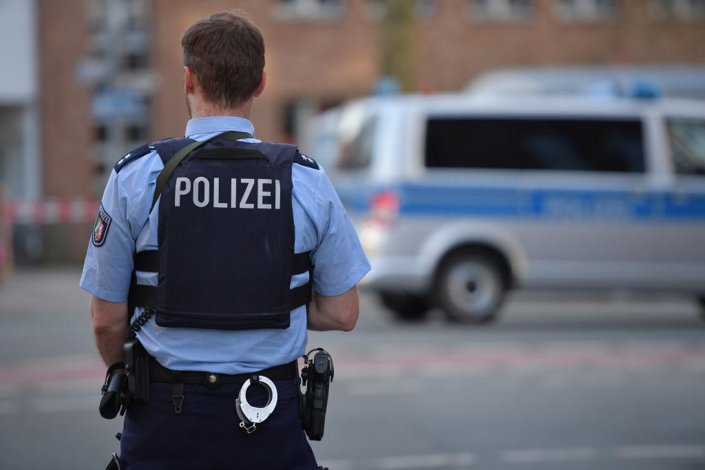 Mata a un cajero en Alemania porque le solicitó ponerse la mascarilla