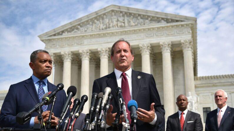 El fiscal general de Texas Ken Paxton habla en Washington el 19 de septiembre de 2019. (Mandel Ngan/AFP vía Getty Images)