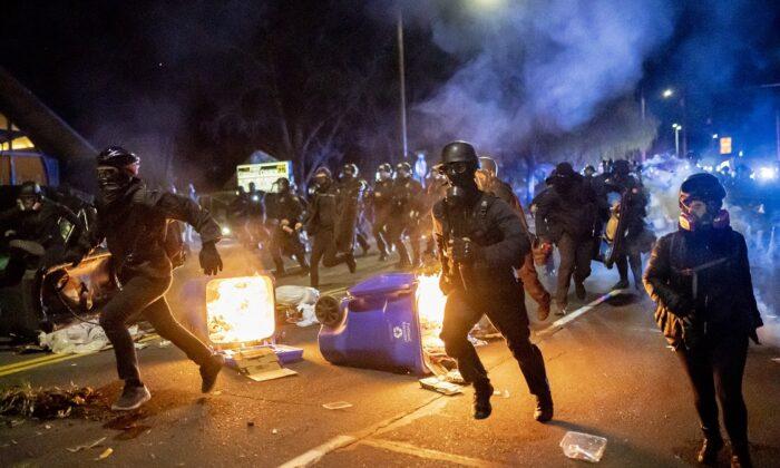 Sindicato policial de Portland culpa por renuncias masivas a funcionarios que criticaron a la policía