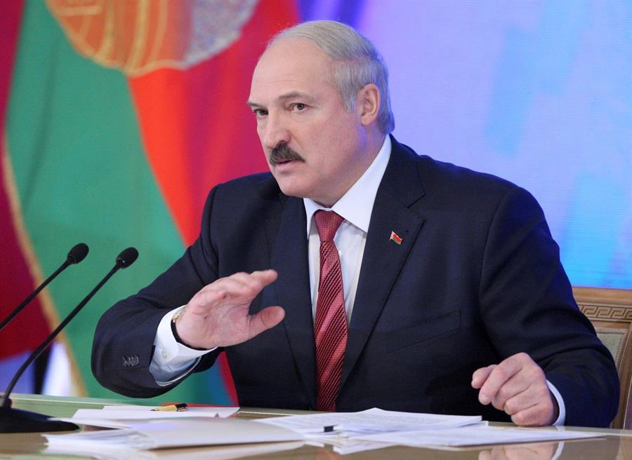 Régimen bielorruso liquida más de 40 ONG y promete seguir con persecución