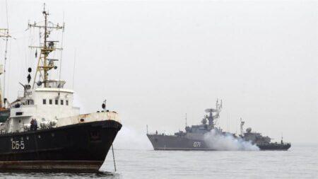 Rusia abre fuego de advertencia contra destructor británico en el mar Negro