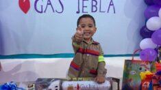 Niño de 3 años festeja su cumpleaños con original temática: ¡Disfrazado de repartidor de gas!