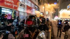 Condenan en Hong Kong a abogado de EEUU que intervino en refriega de policía fuera de servicio