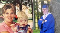 Joven con un raro trastorno con probabilidad de vida de 18 meses se gradúa de la escuela secundaría