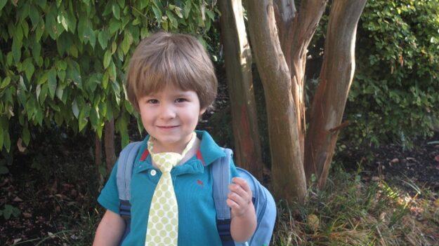 """Niño de 3 años motiva a su familia a ayudar a personas sin hogar en Brasil: """"¿Abuela tienes galletas?"""""""