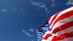 Gobernador Abbott promulga el Proyecto 1836 para promover educación patriótica en Texas