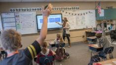 """El sindicato más grande de maestros en EE.UU. vota para """"luchar contra la retórica anti-TCR"""""""